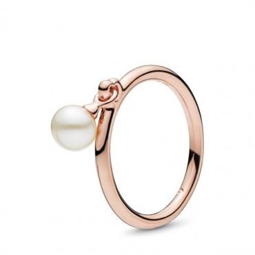 Anello con perla coltivata d'acqua dolce pendente